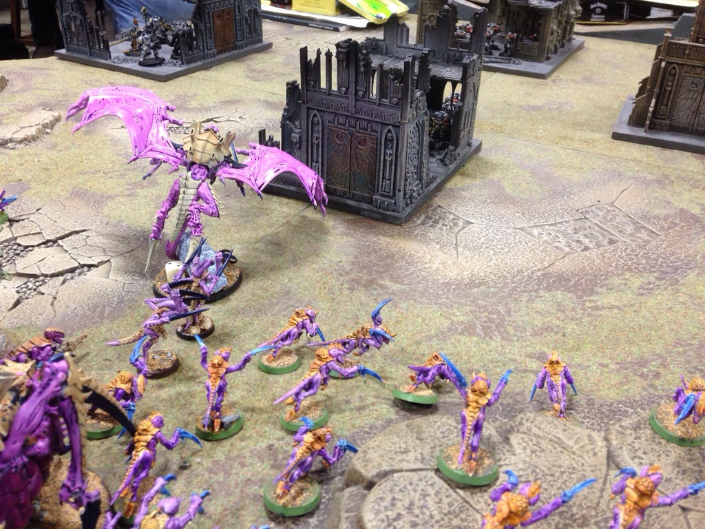 Winged Hive Tyrant and Hormagaunts advance